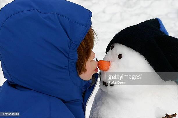 Schneemann und Küsse