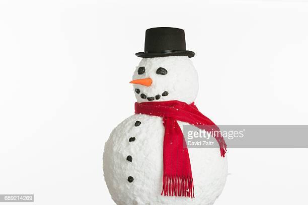 snowman on white background - bonhomme de neige photos et images de collection