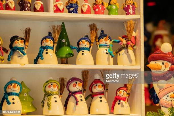Snowmen Christmas Market in the Bavarian city of Augsburg It is placed next to the town hall