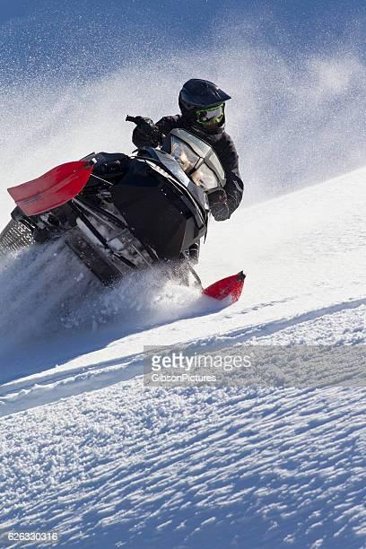 snowmobile canada - snowmobiling - fotografias e filmes do acervo