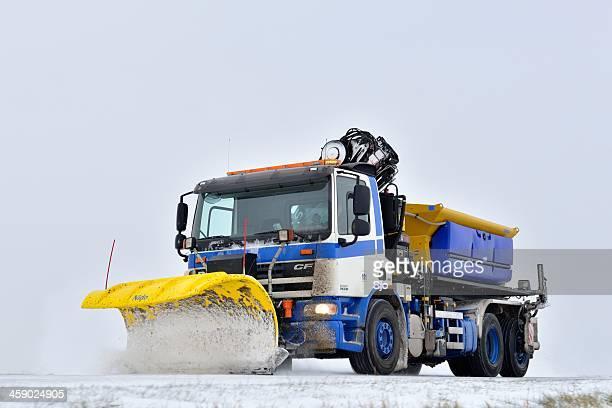 Schneepflug truck