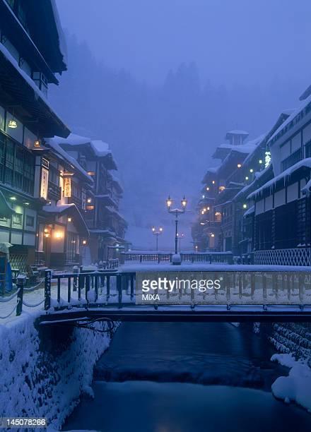 snowscape of ginzan onsen, obanazawa, yamagata, japan - 山形県 ストックフォトと画像