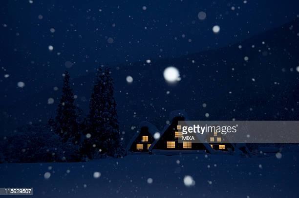 snowscape of shirakawa-go at night, shirakawa, ono, gifu, japan - 岐阜県 ストックフォトと画像