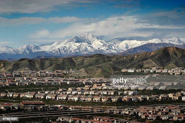 snowy hills - santa clarita stock pictures, royalty-free photos & images