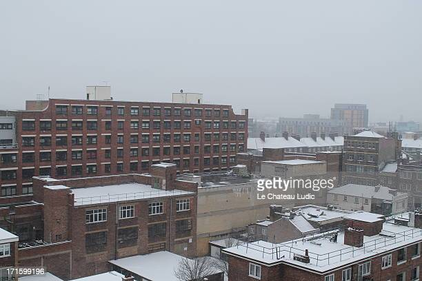 snowy london - bethnal green stock pictures, royalty-free photos & images