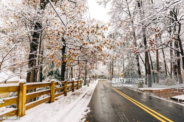 snowy roads - atlanta georgia stock pictures, royalty-free photos & images