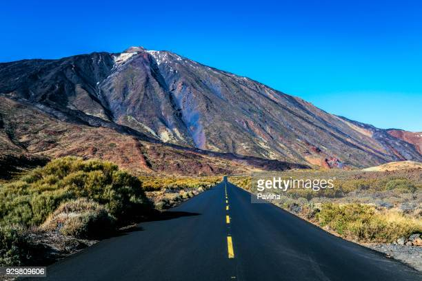 snowy volcano el teide, national park, tenerife, spain - tenerife stock pictures, royalty-free photos & images
