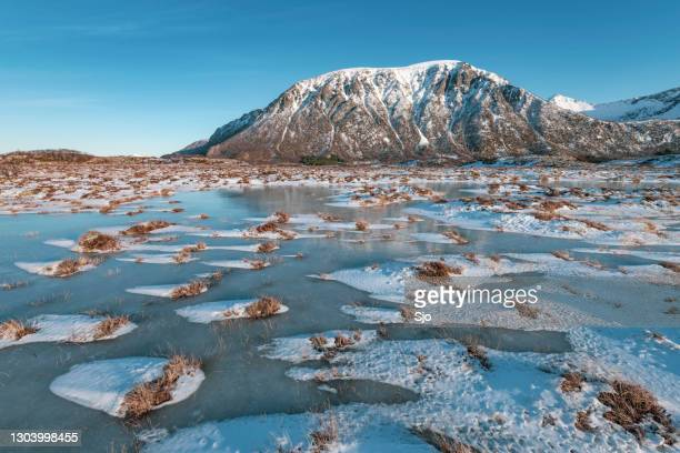 "snowy winter landscape on austvagoya island in the lofoten - ""sjoerd van der wal"" or ""sjo"" stock pictures, royalty-free photos & images"