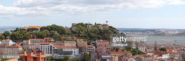 são jorge kasteel in lissabon - gwengoat stockfoto's en -beelden