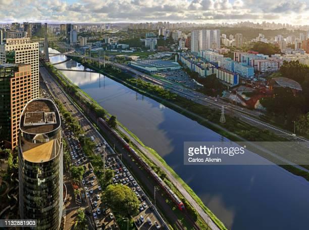 são paulo, brasil - modern commercial neighborhoods in estaiada bridge surroundings - day and night series - carlos alkmin stock pictures, royalty-free photos & images