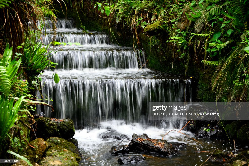 So quietly the gentle cascade : Stock-Foto