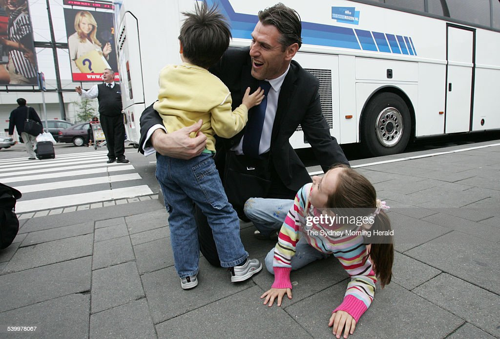 Soccer 2006. Socceroos goalkeeper Zeljko Kalac meets his children Oliver and Abb : News Photo