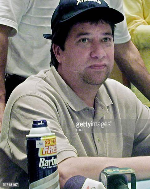 Soccer coach is seen after having shaved in Quito Ecuador 11 October 2001 El tecnico de la seleccion de futbol del Ecuador el colombiano Hernan Dario...