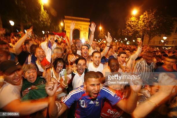 soccer fans celebrate french victory over brazil - internationale fußballveranstaltung stock-fotos und bilder