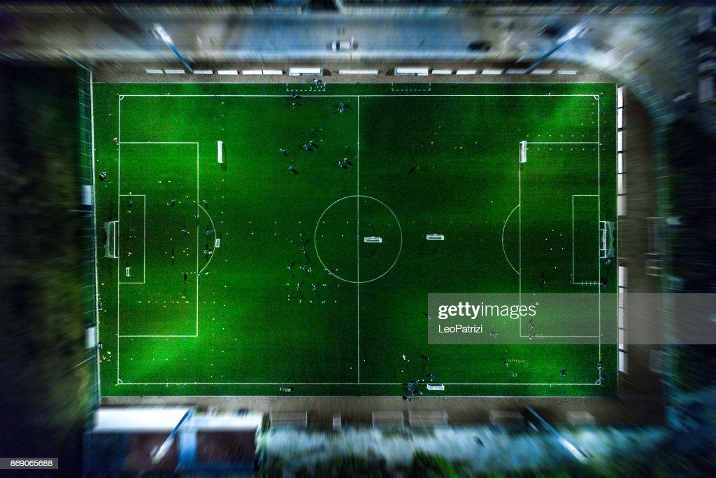 Fußballplatz in der Nacht - Luftbild : Stock-Foto