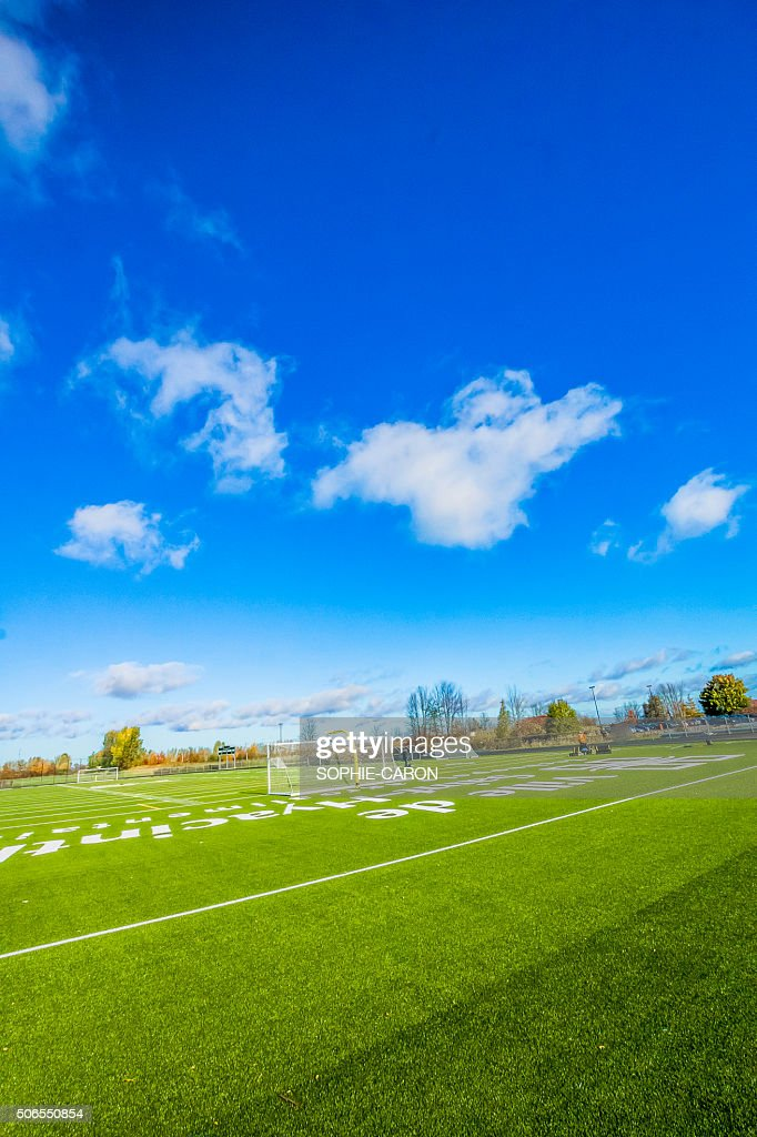 Terrain de soccer- CÉGEP de Saint-Hyacinthe : Stock Photo
