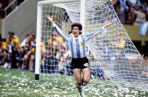FIFA World Cup Final Argentina Mario Kempes victorious after scoring goal vs Netherlands at Estadio MonumentalBuenos Aires Argentina 6/25/1978CREDIT...