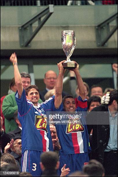 Soccer final of the league's cup Lyon Monaco In Paris France On May 05 2001 Edmilson Sonny Anderson