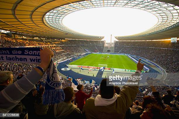 soccer game at olympic stadium - olympiastadion berlin stock pictures, royalty-free photos & images