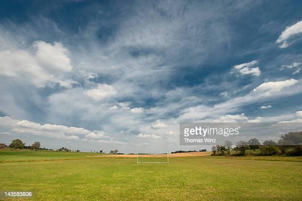 soccer goal - サッカー場 ストックフォトと画像