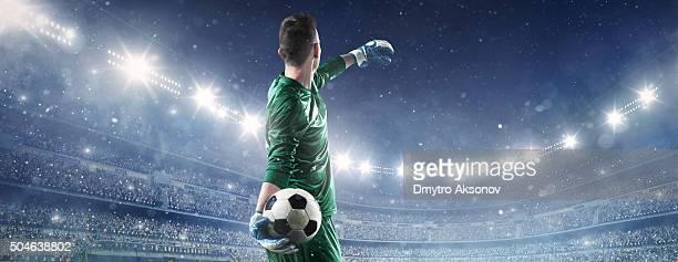 Portero de fútbol en acción