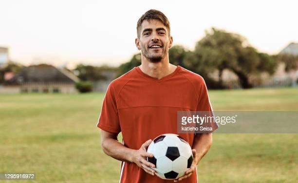 fußball ist mein leben - fußballspieler stock-fotos und bilder