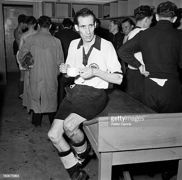 Soccer Match Francegermany Paris 1952 A l'occasion du match FranceAllemagne reportage sur la rencontre et les 30 000 spectateurs allemands à Paris...