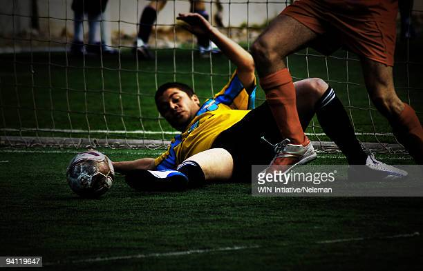 soccer match in progress, santiago, chile - domingo fotografías e imágenes de stock