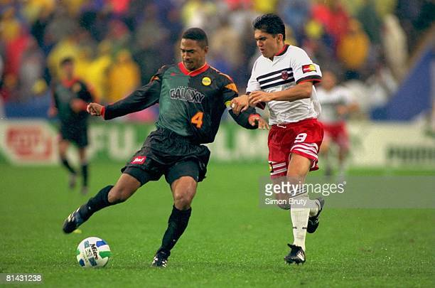 Soccer MLS Cup Los Angeles Galaxy Robin Fraser in action vs DC United Jamie Moreno Foxboro MA