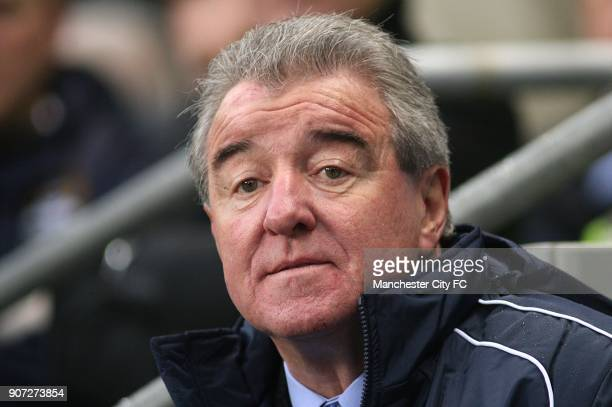 Soccer PFA Centenary Match England XI v The Rest of the World XI City of Manchester Stadium England XI manager Terry Venables on the touchline