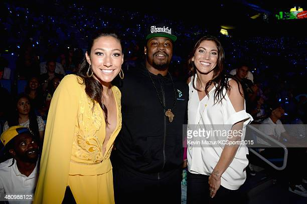 USWNT soccer player Christen Press NFL player Marshawn Lynch and USWNT soccer player Olympian Hope Solo speak onstage at the Nickelodeon Kids' Choice...