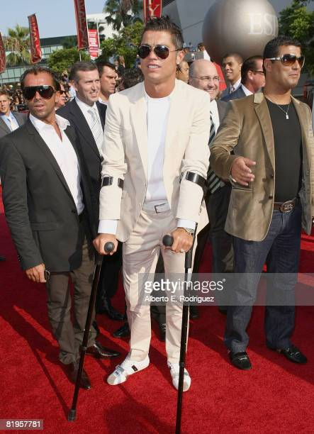 Soccer player Cristiano Ronaldo arrives at the 2008 ESPY Awards held at NOKIA Theatre LA LIVE on July 16 2008 in Los Angeles California The 2008...