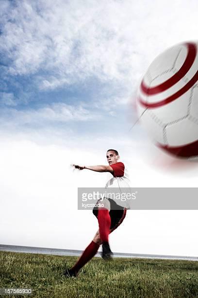 サッカー選手の足蹴り