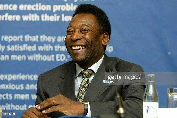 Soccer player Pele smiles during a news conference this 10 September 2003 in Brussels for the campaign Love Life Again organised by European urology...