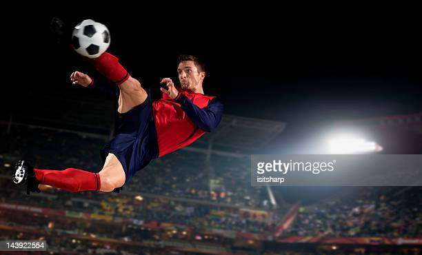 soccer player - anfallsspelare fotboll bildbanksfoton och bilder