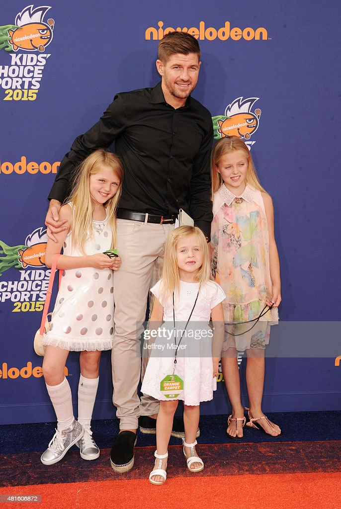 Soccer player Steven Gerrard and daughters Lilly-Ella Gerrard, Lexie Gerrard, Lourdes Gerrard arrive at the Nickelodeon Kids' Choice Sports Awards 2015 at UCLA's Pauley Pavilion on July 16, 2015 in Westwood, California.