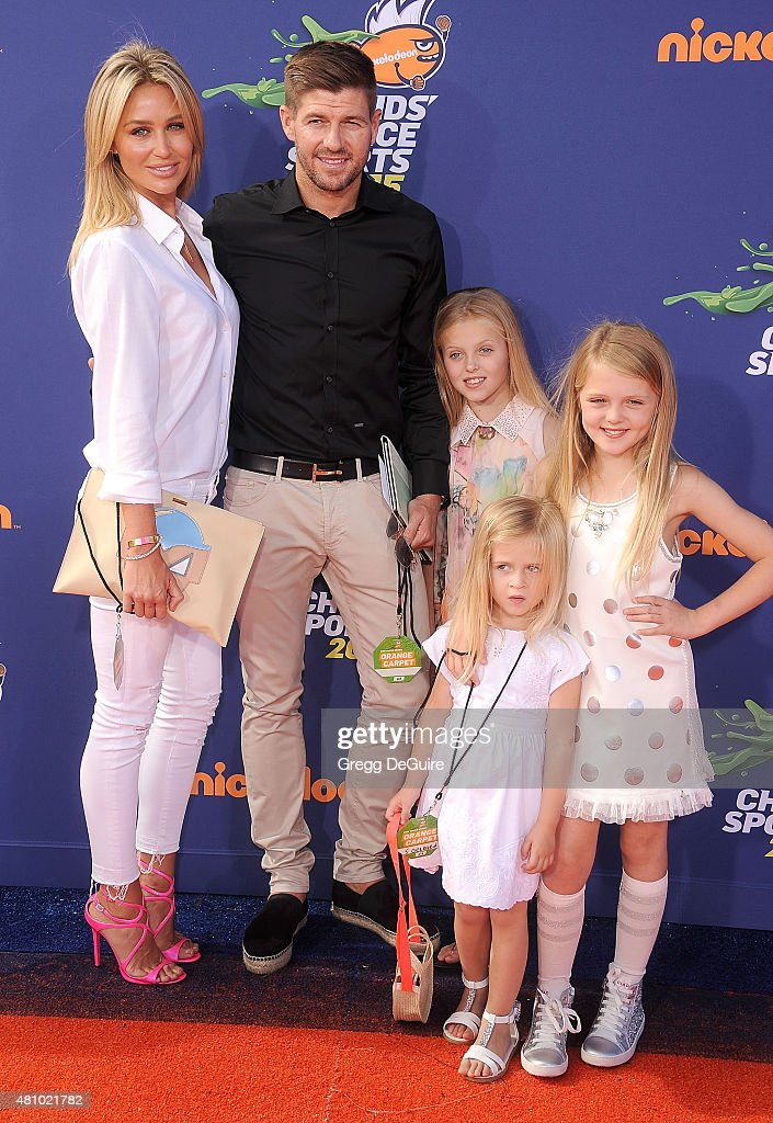 Soccer player Steven Gerrard, wife Alex Gerrard and daughters Lilly-Ella Gerrard, Lexie Gerrard and Lourdes Gerrard arrives at the Nickelodeon Kids' Choice Sports Awards 2015 at UCLA's Pauley Pavilion on July 16, 2015 in Westwood, California.