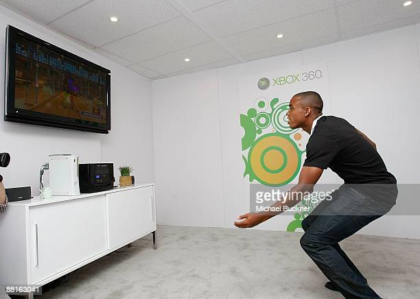 Soccer player Tristan Bowen plays Project Natal at the Xbox Booth during E3 at the Los Angeles Convention Center on June 2, 2009 in Los Angeles,...