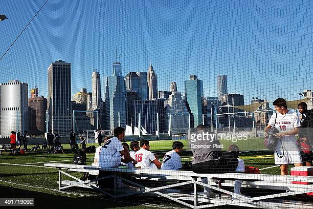 New Yorkers Enjoy Mild October Weather As Mercury Hits Low