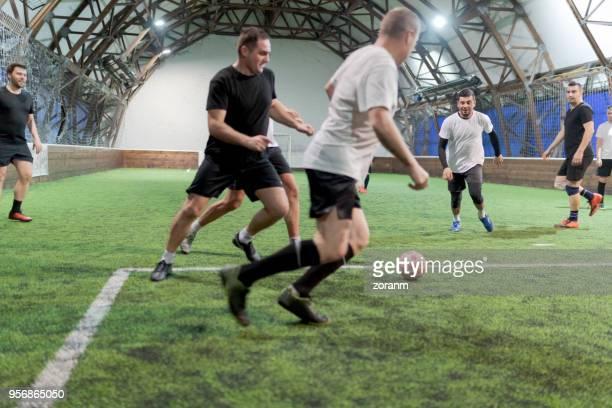 Fußball-Spieler training drinnen