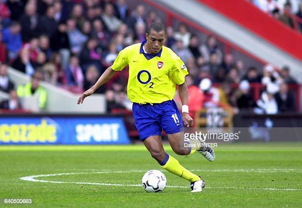 FA Soccer Premiership season 20032004 Charlton Athletic vs Arsenal Gilberto Football Championnat d'Angleterre Premiere Ligue saison 20032004 Charlton...