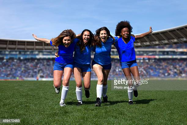 soccer women player exulting - french football photos et images de collection