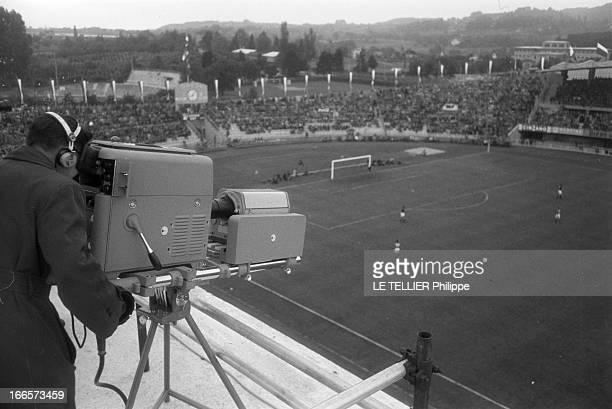 Soccer World Cup 1954 In Switzerland Lausanne Suisse 16 juin 1954 La transmission en direct des matches de la Coupe du Monde de football 1954 en...