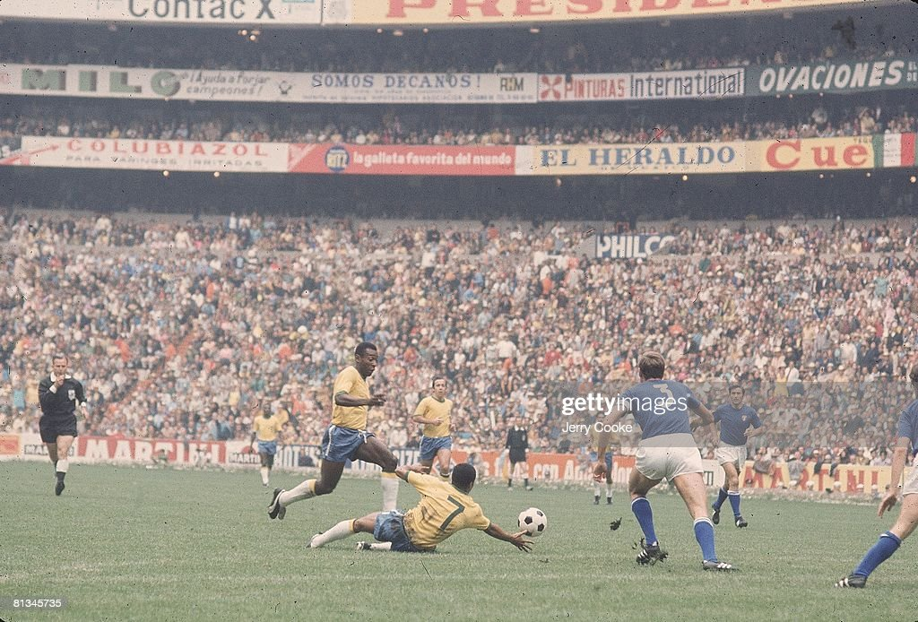 World Cup, BRA Pele in action vs ITA, Mexico City, MEX 6/21/1970