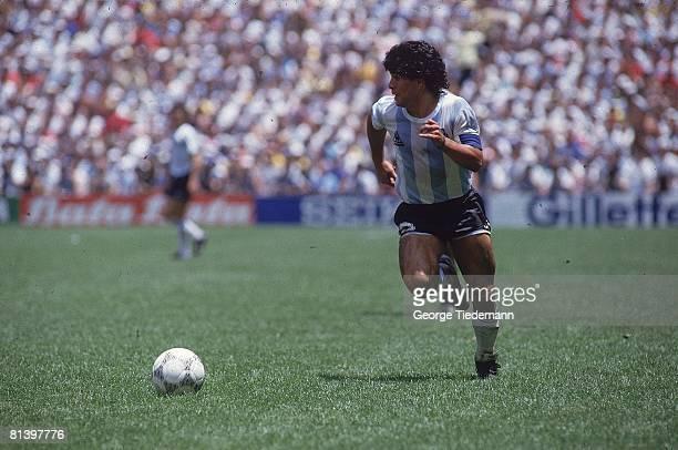 Soccer: World Cup final, ARG Diego Maradona in action vs FRG, Mexico City, MEX 6/29/1986