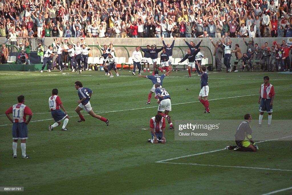 1998 World Cup - France vs. Paraguay : Fotografía de noticias