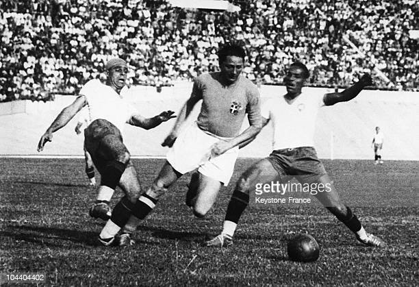 Soccer World Cup in Paris France The semifinals betwwen Italy and Brazil The Italian centre forward Silvio PIOLA struggling with the Brazilian...