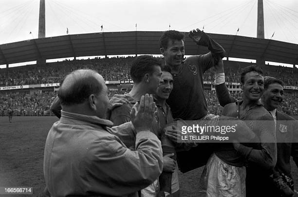 Match France Germany For The 3Rd Place Gothenburg 28 Juin 1958 Au stade Nya Ullevi le Match pour la troisième place France République d'Allemagne...