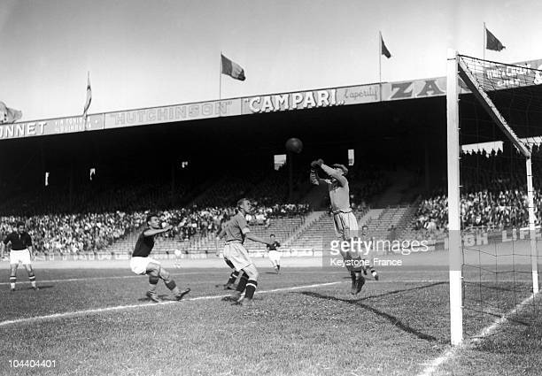 Soccer World Cup in the Parc des Princes stadium Paris A match between Hungaria and Sweden the Hungarian forward Gyorgy SAROSI just shot The Sweden...