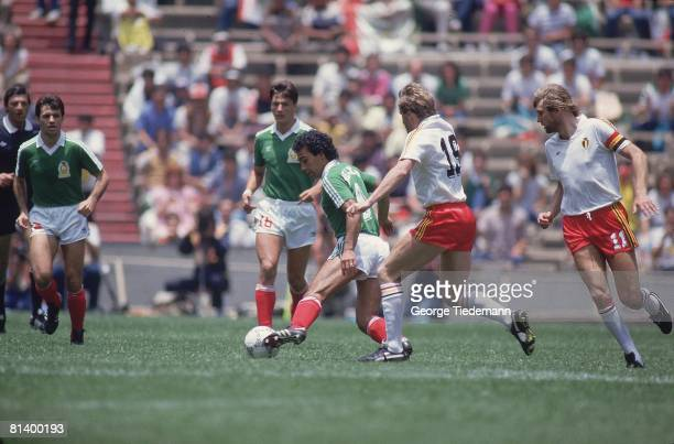 Soccer World Cup MEX Hugo Sanchez in action vs Belgium MEX 6/3/1986